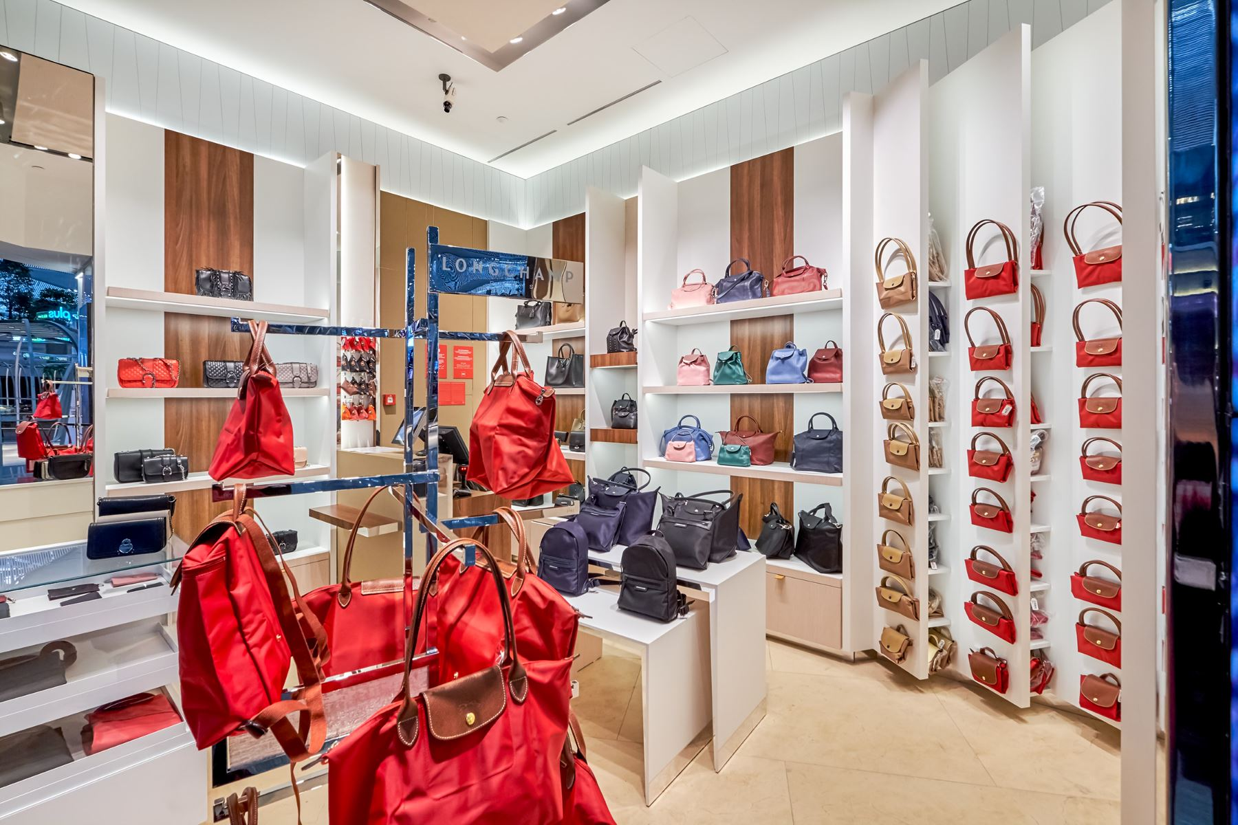 Longchamp-Brands-3