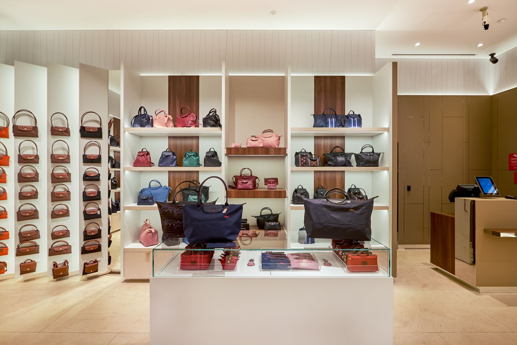 Longchamp-Brands-8